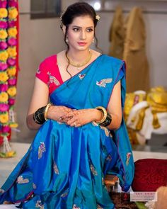 So Beautiful Sarita Mehendale Beautiful Girl Photo, Beautiful Girl Indian, Most Beautiful Indian Actress, Beautiful Saree, Beautiful Actresses, Beautiful Women, Indian Natural Beauty, Indian Beauty Saree, Beauty Full Girl