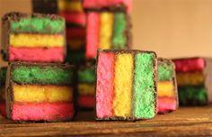 Deze+vrolijke+regenboogkoekjes+toveren+bij+iedereen+een+lach+op+het+gezicht!+(en+smaken+ook+nog+eens+verrukkelijk)