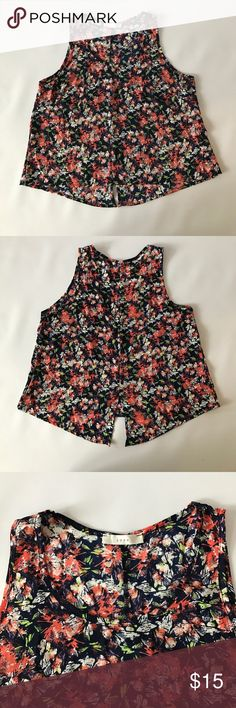 Mid drift top New w/o tags mid drift tank top made by Lush Lush Tops Crop Tops