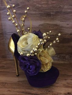 40th Birthday Decorations, Birthday Centerpieces, Bridal Shower Decorations, Purple And Gold Wedding, Purple Gold, Masquerade Party Centerpieces, Chabi Chic, Muses Shoes, Gold High Heels