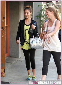 Jessica Alba + her Hello Kitty shirt enroute to a workout