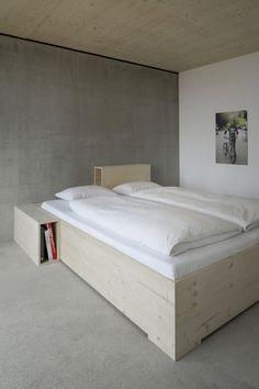 Проект House P реализован архитектурным бюро Yonder – Architektur Und Design в Германии. Загородный дом для отдыха на природе площадью 249 квадратных метров создан для семьи из семи человек, проживающей в Гамбурге. Вдохновлённый принципами традиционной архитектуры региона, но выполненный в её сов...