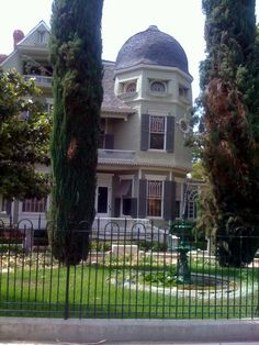 Heritage House in Riverside, California. Love Riverside...  Lived there for many years.