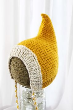 Eeep! A pixie knitted hat. Seeing as how Scout outgrew her winter gnome outfit already, methinks its time to liven up the winter/spring transition with this. id never wear this but its totes adorbs