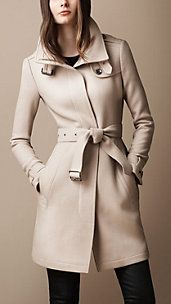 Shop for Belted Collar Wool Coat by Burberry at ShopStyle. Look Fashion, Fashion Outfits, Womens Fashion, Fashion Trends, Fall Fashion, Fashion Sets, Coats For Women, Clothes For Women, Business Outfit