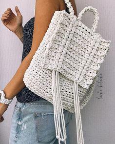 Marvelous Crochet A Shell Stitch Purse Bag Ideas. Wonderful Crochet A Shell Stitch Purse Bag Ideas. Crochet Diy, Bag Crochet, Crochet Shell Stitch, Crochet Handbags, Crochet Purses, Crochet Stitches, Crochet Patterns, Crochet Backpack Pattern, Tshirt Garn
