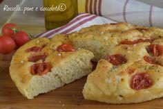 L' Impasto Focaccia Barese ai Pomodorini e' una ricetta imperdibile, segnatevela perche' il risultato e' assicurato; di una sofficita' unica!