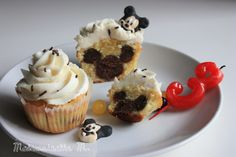 Cupcakes mickey caché birthday cake hidden