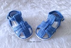 Crochet Baby Sandals, Baby Boots, Crocheting, Cross Stitch, Socks, Booty, Knitting, Hats, Sneakers