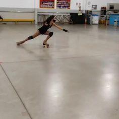 Roller Skate Wheels, Retro Roller Skates, Quad Roller Skates, Roller Derby, Roller Skating, Ice Skating, Figure Skating, Skate Gif, Skate Park