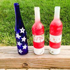 American flag wine bottle set. Perfect for the 4th of July! Made by Krystle's Craft Closet