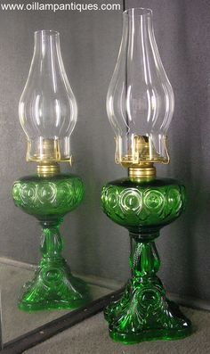 Bullseye Fine Detail Oil Lamp in Emerald Green. They were produced in Canada during the late 1890s and were available in clear, opaque blue and this beautiful emerald green.