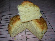 Recipe for Easy Australian Damper. Add herbs and garlic? Aussie Food, Australian Food, Australian Recipes, Aboriginal Food, Good Food, Yummy Food, Delicious Dishes, Cooking Recipes, Bread Recipes