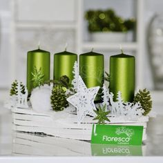 Adventní svícen zelený s bílou  Květinářství Floresco  Vyrobila Šárka Pleskačová
