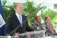 Informando24Horas.com: Autoridades incautarán las armas exhibidas en cent...