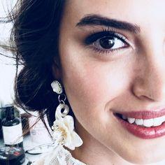 Turkish Actors, Film Movie, Beautiful Eyes, Bellisima, Actors & Actresses, Makeup Looks, Pearl Earrings, Face, Turkey