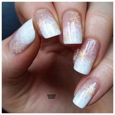 The manicure, stylized in French manicure, it will be the best companion in the winter day: a transparent base and ...