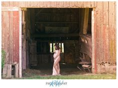 Rustic barn! Love the results<3 #maternity picture
