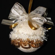 Cream Fur & Gold Lace Handmade Christmas Tree Bauble Handmade Christmas Tree, Christmas Tree Baubles, Christmas Decorations, Holiday Decor, Unique Cards, Gold Lace, Greeting Cards, Fur, Cream