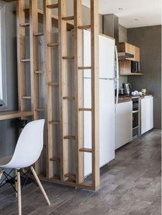 séparation pièce en bois, cuisine à plan ouvert