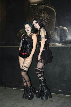 - ̗̀★•ᏝízᏜ ᏝᏜcε•★ ̖́- #GothicFashion