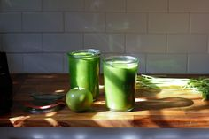 Stripped Green Smoothie | how to make a green smoothie
