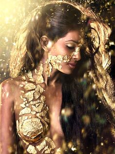 Lady of Gold. Indian beauty. Photography by Laura Ferreira