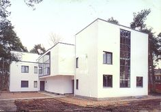 Bauhaus and its Sites in Weimar and Dessau, Germany. Between 1919 and the… Innovative Architecture, Amazing Architecture, Interior Architecture, Casas Containers, Masters, Walter Gropius, Art Nouveau, Constructivism, Art Deco Home