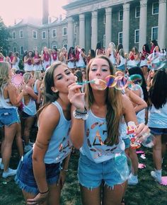 There are so many benefits to joining a sorority | http://www.hercampus.com/school/uab/seven-reasons-join-sorority