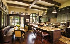 Beautiful Ceiling  Says so much more than whate flat sheetrock!    http://pinterest.com/dsgoodin1/