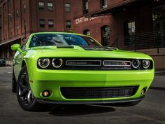 http://i.wheelsage.org/pictures/d/dodge/challenger_r_t/dodge_challenger_r_t_3.jpeg