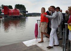 Bussloo, 18 augustus 2011: Prinses Máxima bezoekt het Xnoizz Flevo Festival in het kader van haar erevoorzitterschap van CentiQ, Wijzer in geldzaken - Het Koninklijk Huis