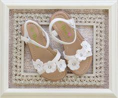 Petalia Little Girls Flower Petal Sandals White