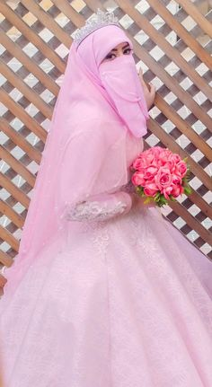 Pinkyy ..hija!ß💓👩❤️💋👩❤️💕💖💝 Wedding Hijab Styles, Muslim Brides, Pakistani Wedding Dresses, Muslim Girls, Niqab Fashion, Street Hijab Fashion, Bridal Hijab, Hijab Bride, Bridal Anarkali Suits