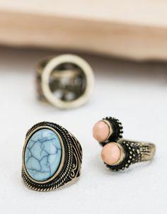 Pierścionki z kamieniami. Odkryj to i wiele innych ubrań w Bershka w cotygodniowych nowościach