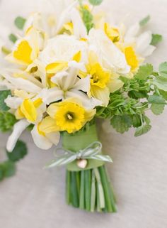 Spring Wedding Bouquets Daffodils only come one time a year. stand out from the crowd with a truly unique bouquet.Daffodils only come one time a year. stand out from the crowd with a truly unique bouquet. Spring Wedding Bouquets, Spring Bouquet, Spring Flowers, Bridesmaid Bouquets, Bridal Bouquets, Yellow Bouquets, Floral Bouquets, Daffodil Wedding Flowers, Ideas