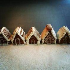 Gingerbread village, Les délices de Plume, Marseille, France Gingerbread Village, Cookie Bars, Cheer, France, Cookies, Christmas, Marseille, Crack Crackers, Xmas