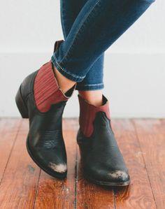 Mustang boot // Ascotandhart.com