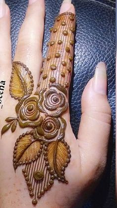 Mehendi designs Common Childhood Illnesses… What To Look For Children are very susceptible to illnes Basic Mehndi Designs, Floral Henna Designs, Back Hand Mehndi Designs, Finger Henna Designs, Henna Art Designs, Mehndi Designs For Girls, Mehndi Designs For Beginners, Dulhan Mehndi Designs, Mehndi Design Photos