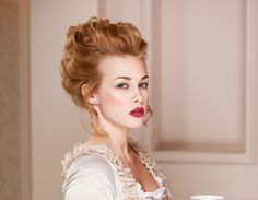 Victorian Updo: Women in the mid- to grew their hair long but opted to wear it swept up—typically with a little pouf and some curls to cover the forehead—so that it didn't interfere with their ever-important daily chores around the house. Victorian Hairstyles, Vintage Hairstyles, Cute Hairstyles, Wedding Hairstyles, 1800s Hairstyles, Medieval Hairstyles, Classic Hairstyles, Victorian Makeup, Victorian Fashion
