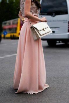 Falda larga color pastel con top