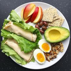 Healthy Snacks Tasteful Healthy Lunch Ideas with High Nutrition for Beloved Family Diet Snacks, Healthy Snacks, Healthy Eating, Quick Healthy Food, Healthy Food Plate, Comidas Fitness, Dieta Fitness, Diet Recipes, Healthy Recipes