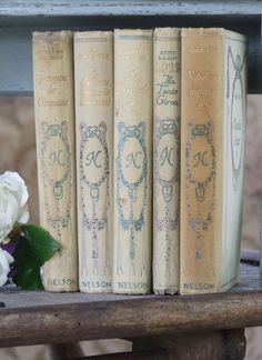 At Pretty Page Turner our favorite cover models are books. We can't get enough beautiful book photography of old books and their vintage bookshelf. Shabby chic décor doesn't get better than these vintage books. My French Country Home, Country Charm, Enchanted Home, Old Books, French Decor, I Love Books, Decoration, Book Worms, Blue And White