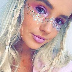 "1,362 Likes, 25 Comments - ✨GO GET GLITTER✨ (@gogetglitter) on Instagram: ""Mermaid Vibes✨✨✨ #makeup #mua #makeupartist #makeupblogger #blogger #fashionblogger #halloween…"""