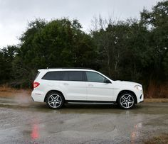 We recently got a chance to see and experience all of those changes in the 2017 GLS550 4MATIC that Mercedes-Benz loaned us.