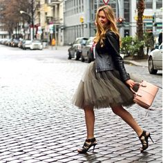 @thenewcatintown is wearing a cloudy grey tulle skirt