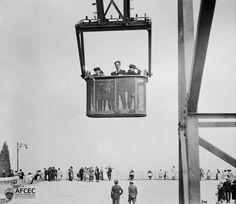 Cistella de l'atalaia, parc d'atraccions del Tibidabo, Barcelona, 13-06-1924. Autor- Ignasi Canals i Tarrats .jpg