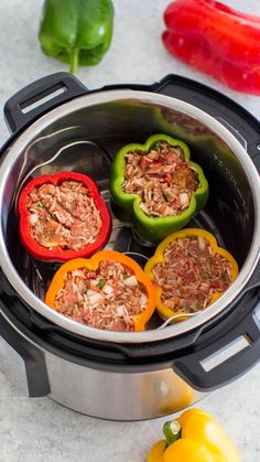Best Instant Pot Stuffed Peppers [VIDEO] - Sweet and Savory Meals Find out how to make the Best Instant Pot Stuffed Peppers with my perfect cooked rice trick and a delicious blend of ground beef and seasonings. Diet Food To Lose Weight, Weight Loss Meals, Best Instant Pot Recipe, Instant Pot Dinner Recipes, Top Recipes, Cooking Recipes, Healthy Recipes, Cooking Bacon, Cooking Games