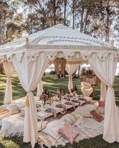 Backyard Birthday, Backyard Picnic, Picnic Birthday, Picnic Decorations, Wedding Decorations, Small Wedding Decor, Small Weddings, Wedding Ideas, Picnic Set
