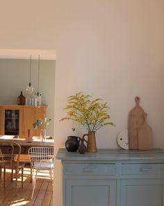 🚪🗝Colorful Artistic Home Interior Design for Tiny Space? In The Black Com My Living Room, Home And Living, Living Spaces, Room Inspiration, Interior Inspiration, House Rooms, Interiores Design, Cheap Home Decor, Home Interior Design